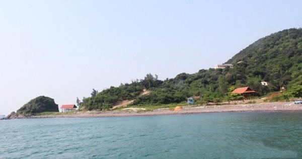 Thuê thuyền ra đảo Ngư khi bạn du lịch cửa lò